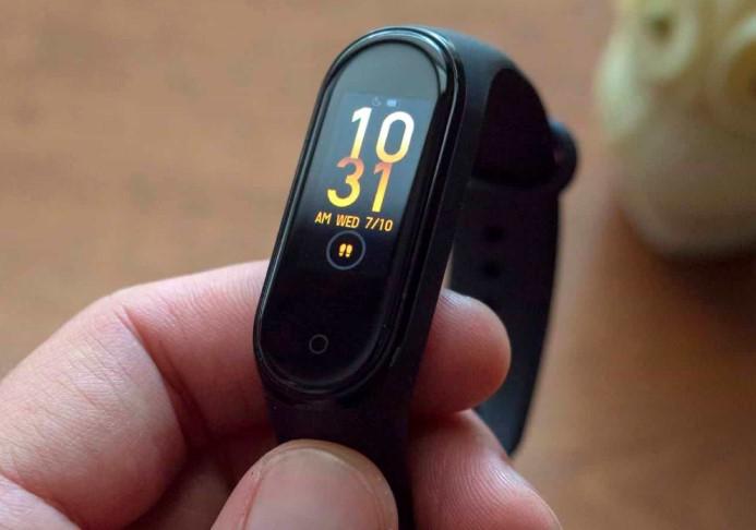 Випущений Xiaomi Mi Band 4 з NFC для безконтактних платежів в Україні
