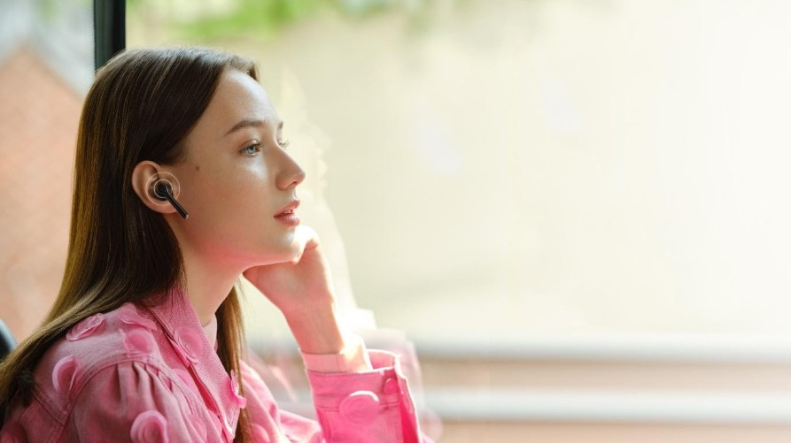 Нові Huawei Freebuds 3i з приглушенням шуму незабаром в Україні