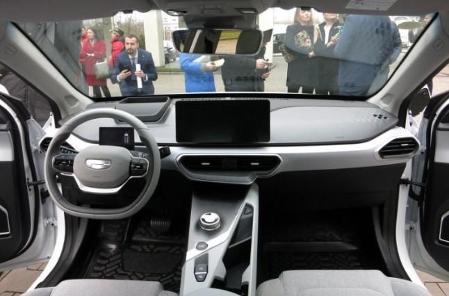 Показали новий електромобіль Geely з запасом ходу 500 км