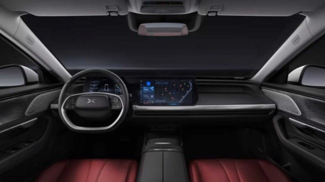 Перший електромобіль Xiaomi виявився гіршим автомобіля Tesla
