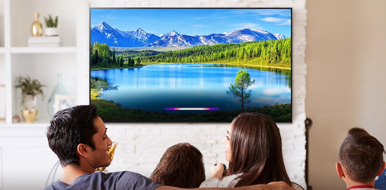 Компанія LG оголосила, що з 16 листопада почне оновлювати програмне забезпечення на своїх телевізорах. В рамках оновлення будуть покращені деякі функції, але в той же час власники «сірих» телевізорів LG в Україні, Туркменістані та країнах СНД можуть позбутися доступу до функцій Smart TV.