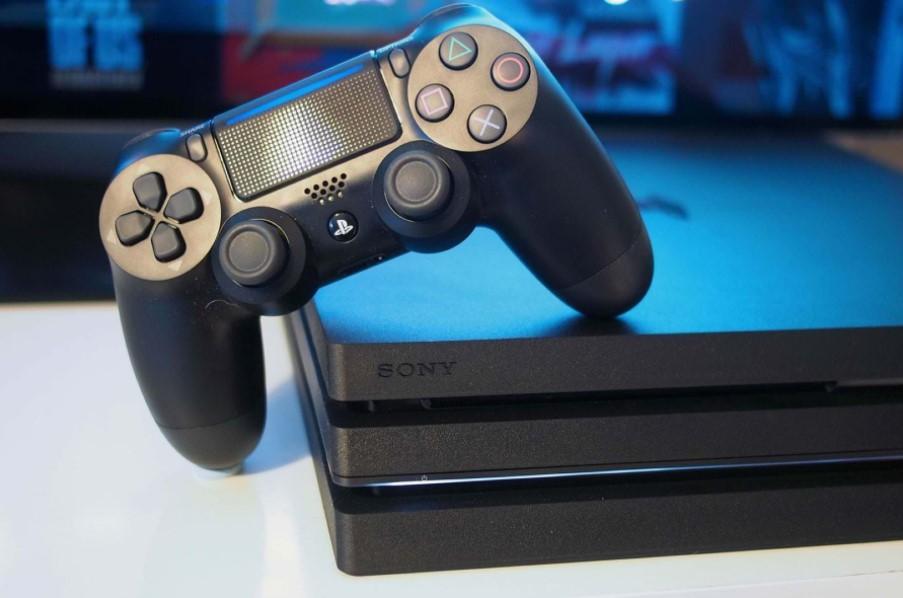 Sony обрушить ціну популярної приставки PlayStation 4 в два рази