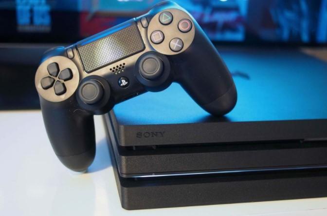 Sony обрушила ціну приставки PlayStation 4 в два рази