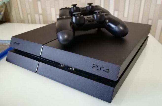 Sony обрушить ціну приставки PlayStation 4 в два рази у всіх країнах світу